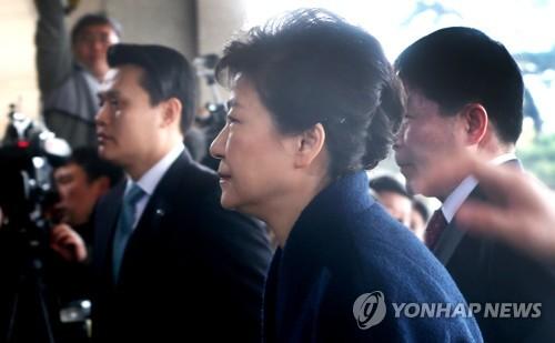 [박근혜 소환] 조사실로 이동하는 박 전 대통령