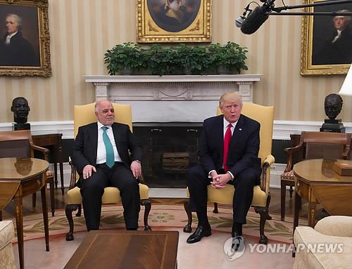 """트럼프, 이라크 총리에 """"IS 격퇴"""" 약속"""