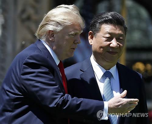 4월초 정상회담때의 도널드 트럼프(왼쪽) 미국 대통령과 시진핑 중국 국가주석