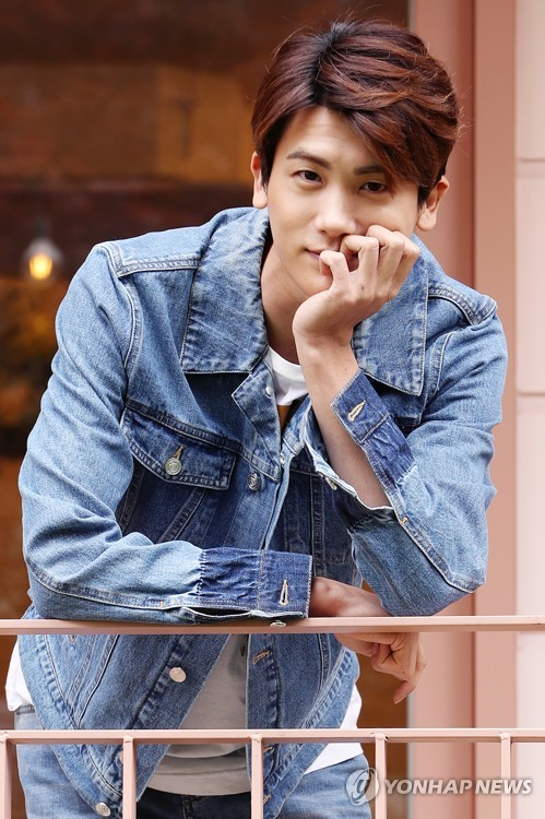 Actor Park Hyung-sik