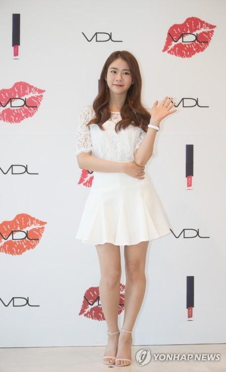 韩胜妍助力彩妆品牌VDL宣传活动