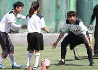 금의환향 손흥민…'축구선생님으로 변신'