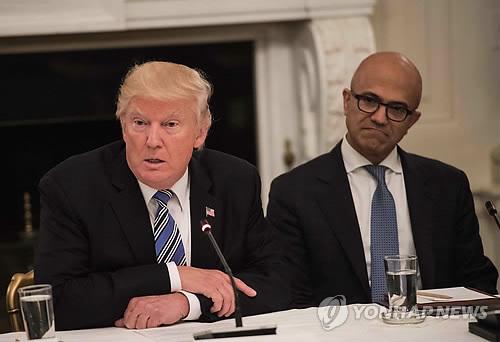 """트럼프, 웜비어 사망에 """"北은 잔혹한 정권"""" 규탄"""