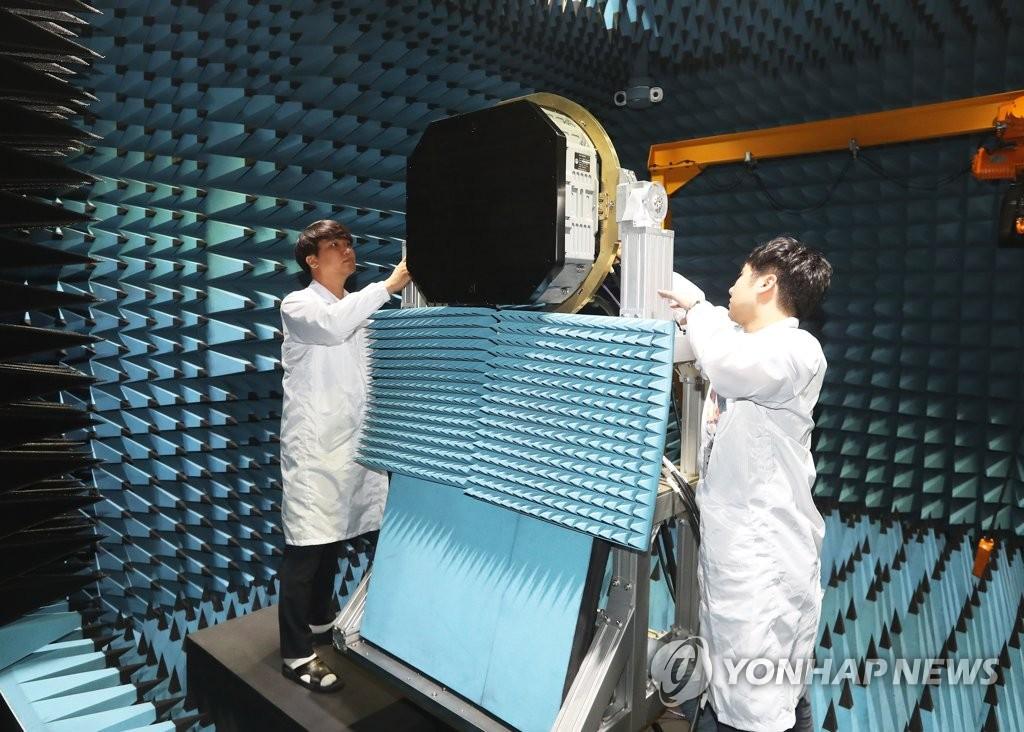 【軍事】韓国国産戦闘機の要 AESAレーダーの試作品を初製作[7/13] [無断転載禁止]©2ch.net->画像>5枚