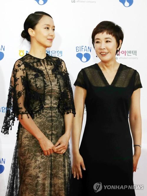 Actresses Jeon Do-youn and Kang Su-yeon