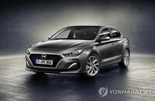 「i30ファストバック」(現代自動車提供)=14日、ソウル(聯合ニュース)