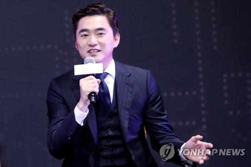 Actor Kim Suk-hoon