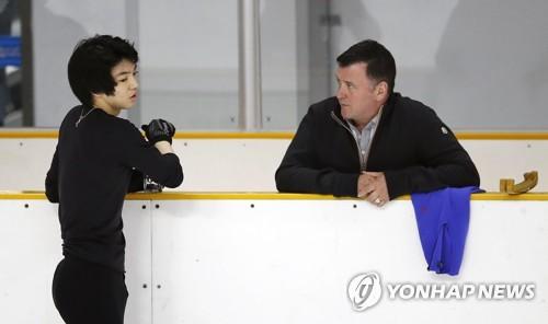 지난해 1월 1차 선발전에서 오서 코치와 대화하는 차준환