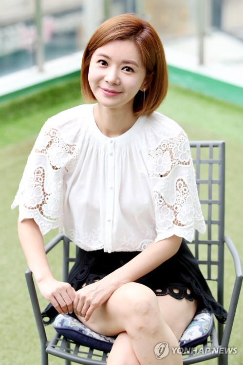 장서희, 화사한 미소