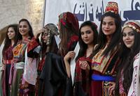 '고유의 미가 살아있죠?'…팔레스타인 전통의상 패션쇼