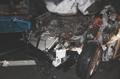 사고 충격으로 불타는 차 안에 쓰러진 남성, 다른 운전자가 구해