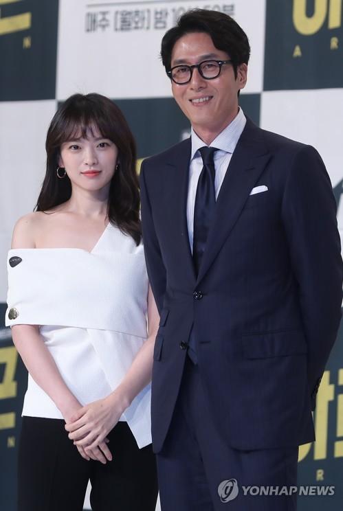 천우희-김주혁, 기자의 삶 다룬 '아르곤'의 두 주연