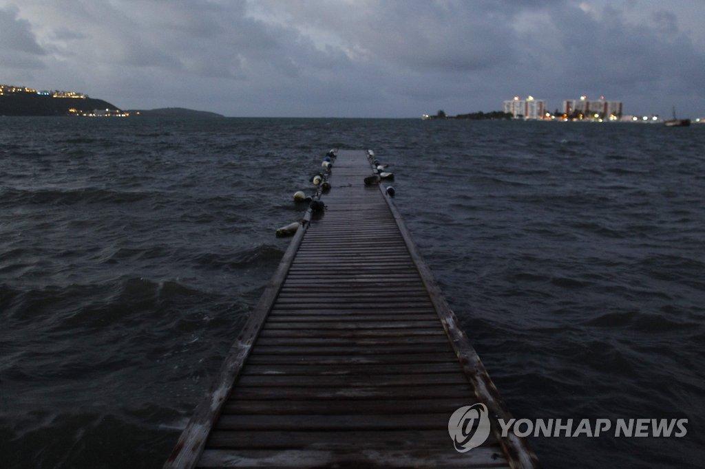 최강 허리케인 '어마', 안티과 상륙