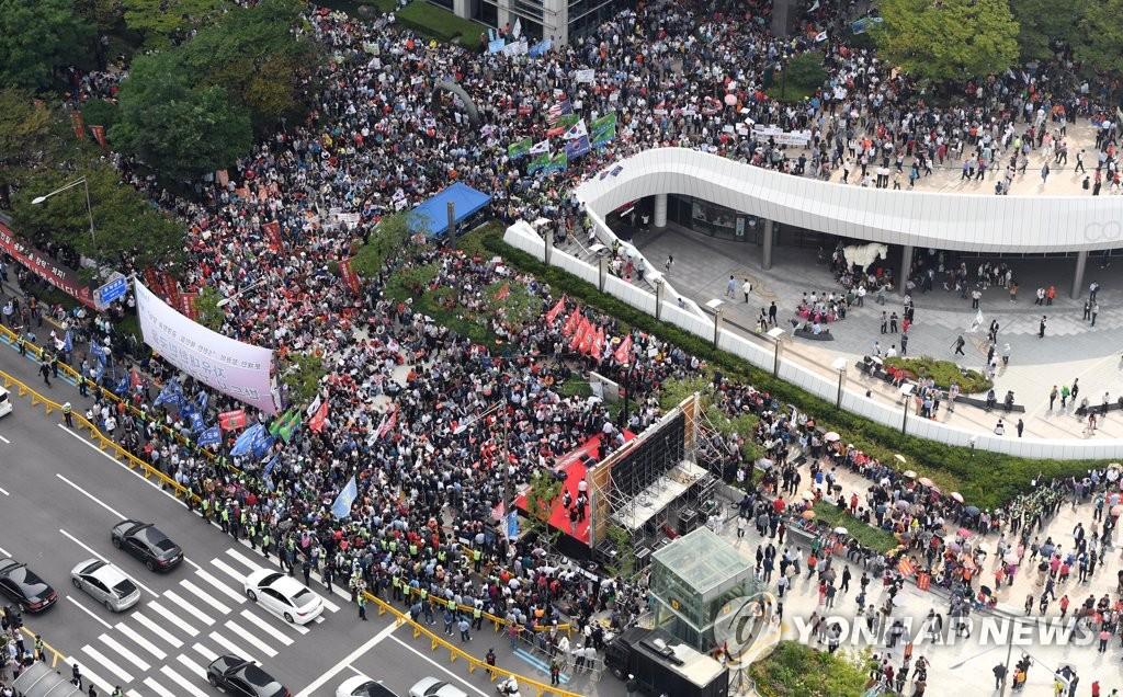 주말 대규모 장외집회 연 자유한국당