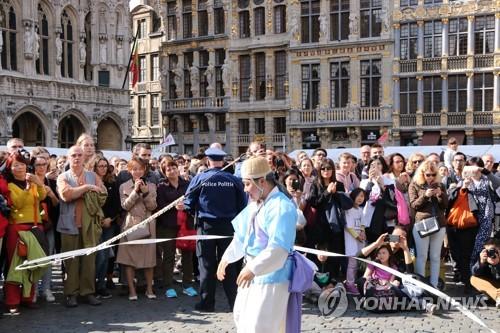 신명나는 한국의 놀이에 흠뻑 빠진 유럽인들