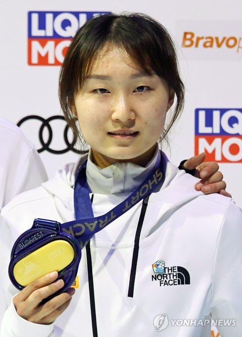 韩国短道速滑运动员崔珉祯(韩联社/美联社)