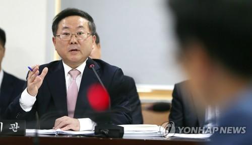 답변하는 박홍배 제주관광공사 사장 예정자
