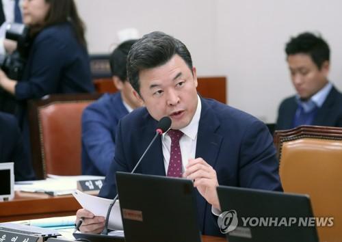 자유한국당 윤영석 수석대변인
