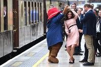 '곰과 함께 춤을?'…자선 행사 참석한 캐서린 英 왕세손비