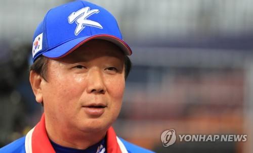 답변하는 선동열 감독