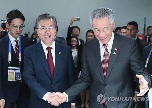 [전문] 文대통령 싱가포르 언론 인터뷰…북미회담 헌신에 큰 감명