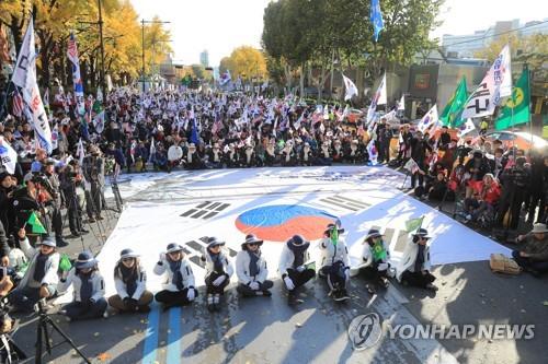 박 전 대통령 석방 촉구하는 지지자들
