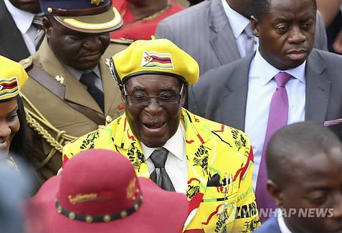 37년 무가베 독재정권, 짐바브웨서 막내리나