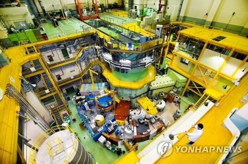 연구용 원자로 '하나로' 재가동 한 달 만에 또 정지(종합)