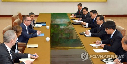 N. Korean diplomat meets U.N. official