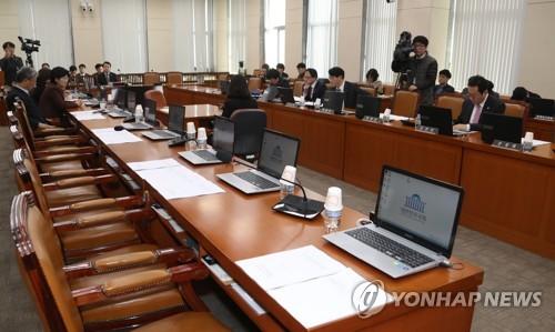 정개특위 한국당 불참 파행
