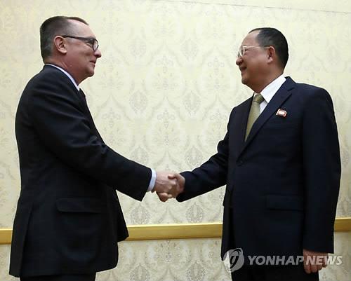 펠트먼 유엔 사무차장, 리용호 北외무상 만나
