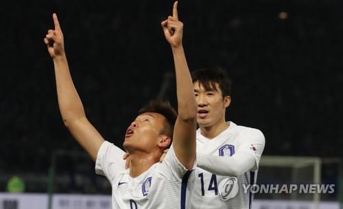 '4골 폭발' 한국, 7년7개월 만에 일본 꺾고 역전 우승