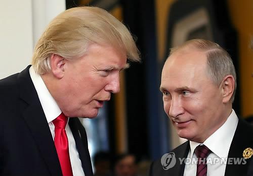 """푸틴, 트럼프에 """"美 도움으로 테러 분쇄"""" 감사 전화"""