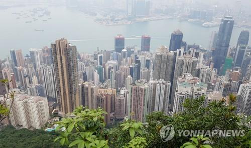빅토리아 언덕에서 내려다본 홍콩의 아파트촌