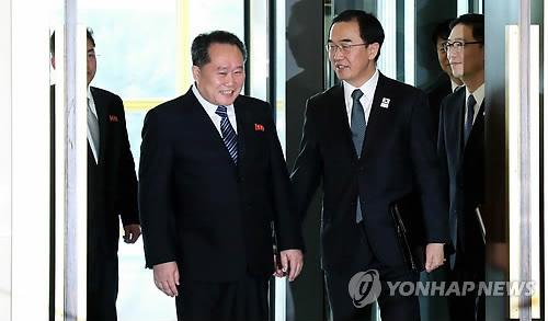 韩朝代表相谈甚欢