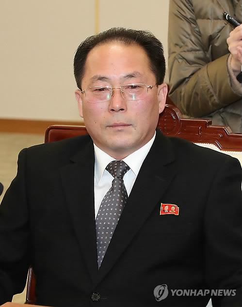资料图片:1月9日上午,在板门店,朝鲜祖国和平统一委员会副委员长田钟秀出席韩朝高级别会谈。(韩联社/联合采访团)