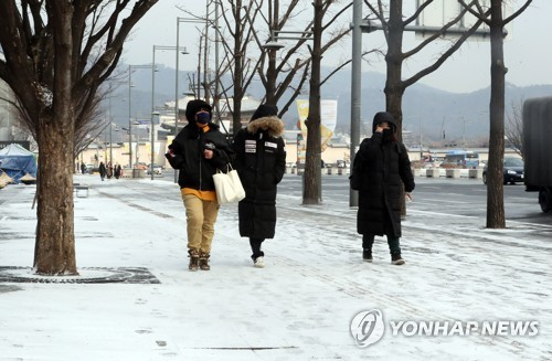 Snow in Seoul