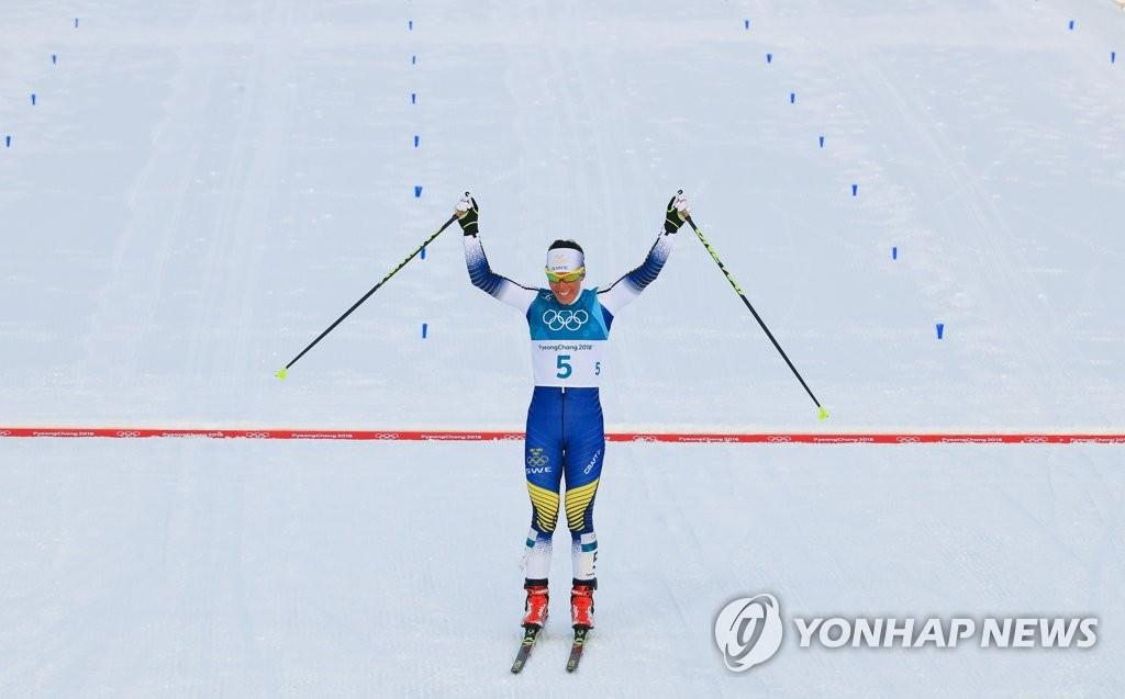 [올림픽] 평창 첫 금메달의 주인공은 샬로테 칼라