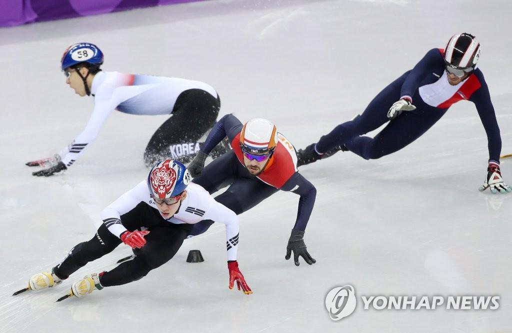 [올림픽] 넘어지는 황대헌