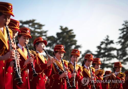 [올림픽] 북측 취주악대 오죽헌에서 열띤 공연