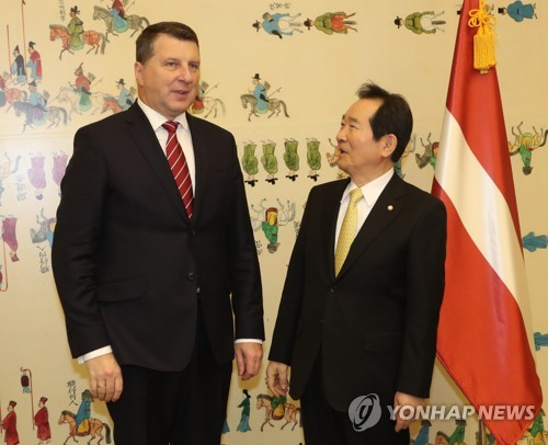 House speaker meets Latvian president