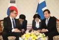 韩总理李洛渊会见芬兰总理西比莱