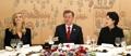伊万卡与韩总统伉俪愉快用餐