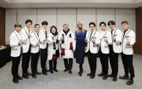 [올림픽] 문 대통령 내외와 이방카 보좌관, '엑소-씨엘과 엄지척'
