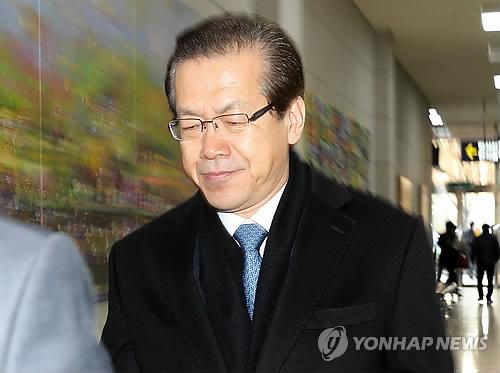 굳은 표정의 박재경 BNK금융지주 사장