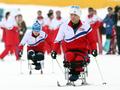 朝越野滑雪运动员备战冬残奥会