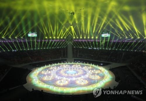 3月9日晚,在平昌奥林匹克体育场,2018平昌冬残奥会正式开幕。图为开幕式上的韩国传统表演。(韩联社)