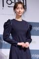 李宥英姿态优雅