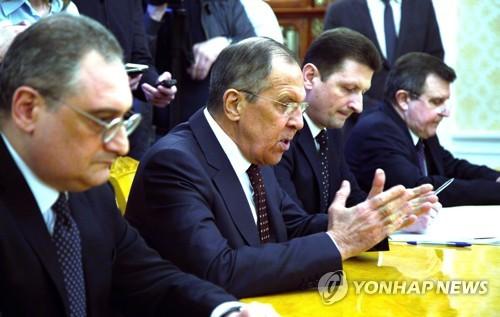 정의용 국가안보실장과 회담하는 러시아 외무장관