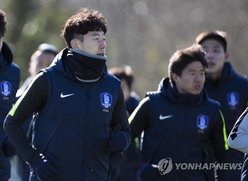 손흥민·김신욱·권창훈, 북아일랜드전 선봉…4-3-3 포메이션